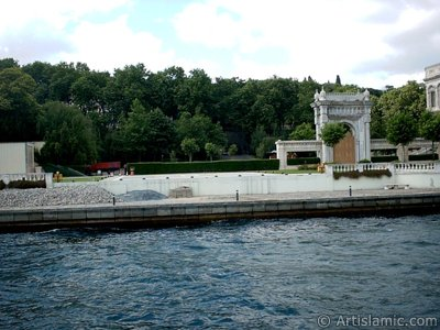 View of the Ciragan Palace from the Bosphorus in Istanbul city of Turkey. (The picture was taken by Artislamic.com in 2004.)