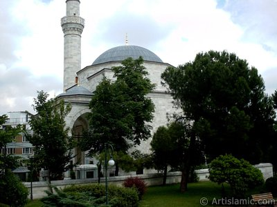 Firuz Aga Mosque in Sultanahmet district of Istanbul city in Turkey. (The picture was taken by Artislamic.com in 2004.)