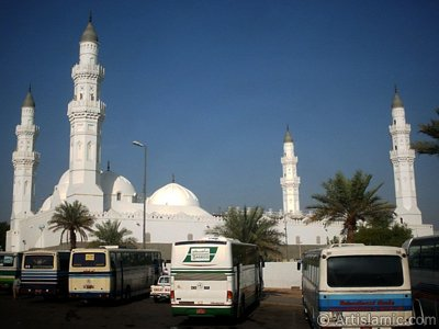 Masjed (mosque) Kuba in Madina city of Saudi Arabia. While the Prophet Muhammad (saaw) is migrating from Mecca to Madina with His friend Abu Bakr (ra) they had become guest in the Village Kuba for some days before entering the city Madina. While He is in Kuba He had laid the foundation of the Masjed Kuba. In the Holy Koran our Lord Allah describes this Masjed saying: ``...There is a mosque whose foundation was laid from the first day on piety; it is more worthy of thy standing forth (for prayer) therein. In it are men who love to be purified; and Allah loveth those who make themselves pure.`` (9:108). Later, the mosque rebuiled a few times. (The picture was taken by Mr. Mustafa one of the visitors of Artislamic.com in 2003 Ramadan.)