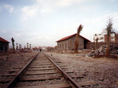 View of the Ottoman made historical Hijaz Railway`s Station in Madina city of Saudi Arabia. (The picture was taken by Mr. Mustafa one of the visitors of Artislamic.com in 2003 Hajj season.)